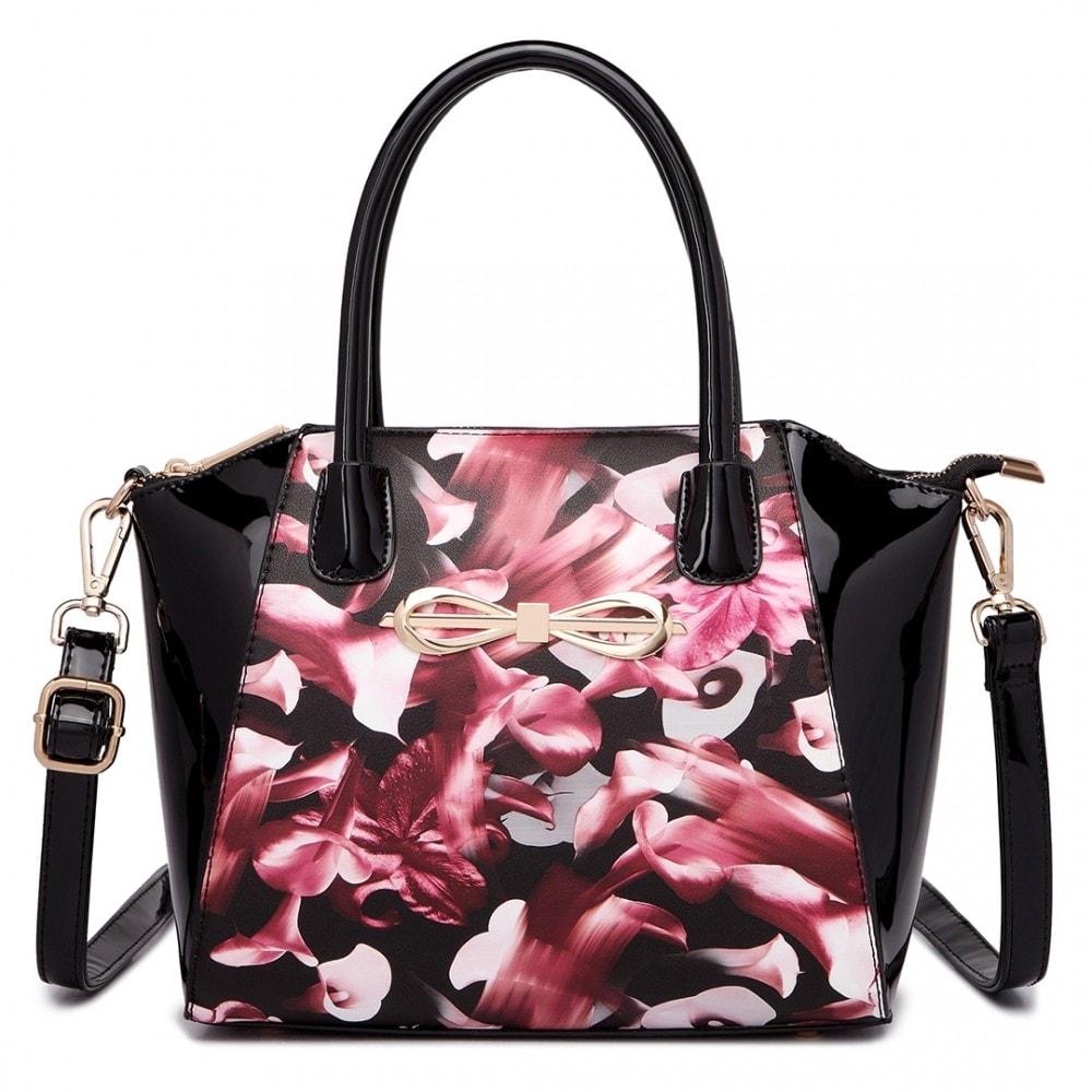 Lulu Bags (Anglie) Moderní černá lakovaná kabelka s růžovými květy Miss Lulu