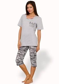 Dámské pyžamo s capri kalhotami Safari