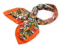 Hedvábný šátek 82x85 cm ornamenty